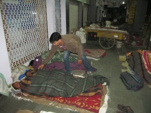 Event 51 : Punya 2013- Silent, Early morning distribution of blankets to Shelter less